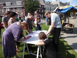 В Нидерландах почтили память исчезнувших белорусов и провели акцию солидарности с Дмитрием Дашкевичем