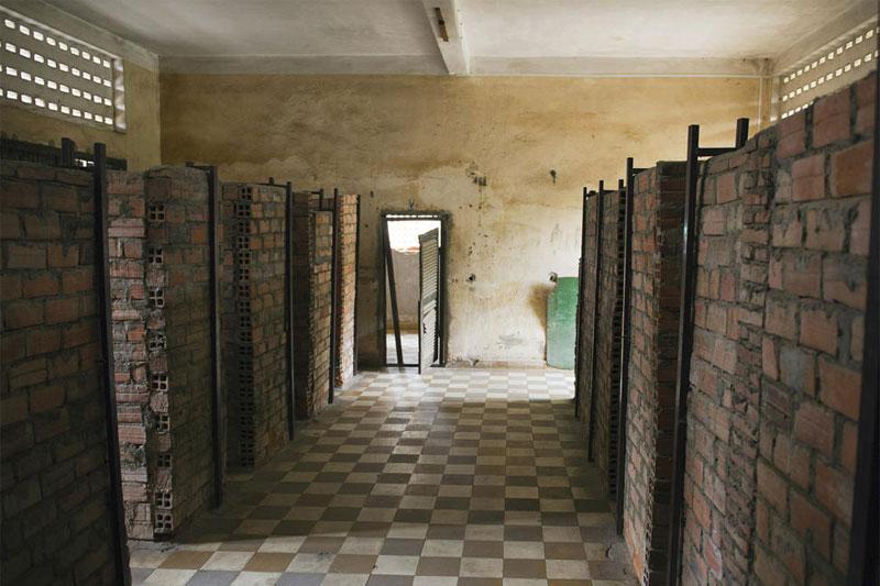 Музей геноцида в Пномпене на месте тюрьмы, где «красные кхмеры» держали в заточении тысячи людей